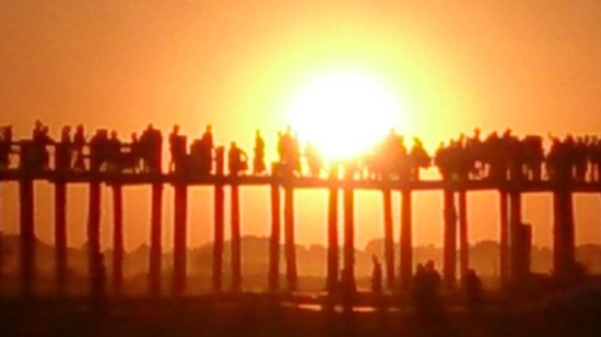 U Bein Bridge: Sunset
