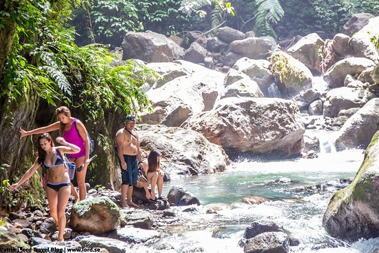 Casaroro Falls: Sometimes there are many tourists here