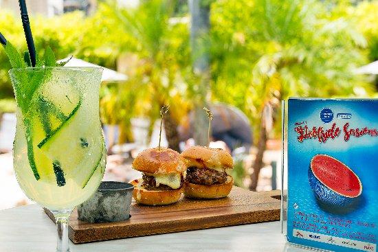Esplanade Hotel Fremantle - by Rydges: The Poolside Bar