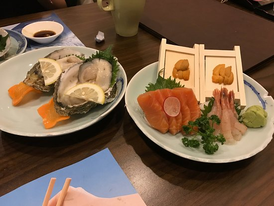 Kitaya Japanese Restaurant: Oysters and Sashimi