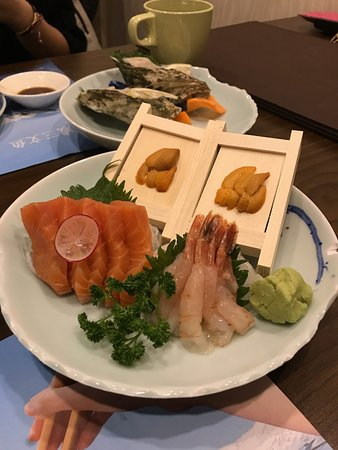 Kitaya Japanese Restaurant: Urchin, Salmon and Sweet Shrimp
