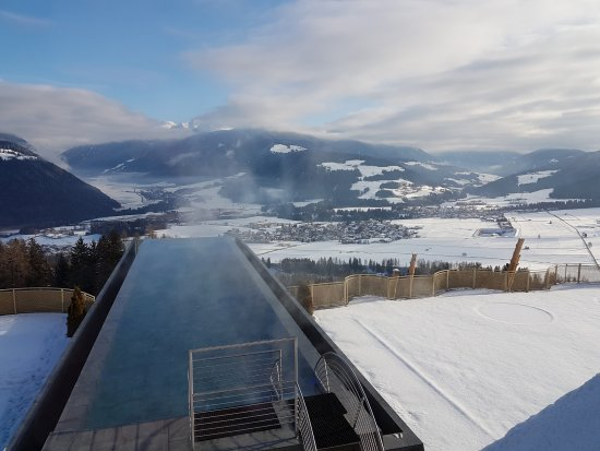 Piscina sospesa foto di alpin panorama hotel hubertus sorafurcia tripadvisor - Piscina hotel hubertus ...