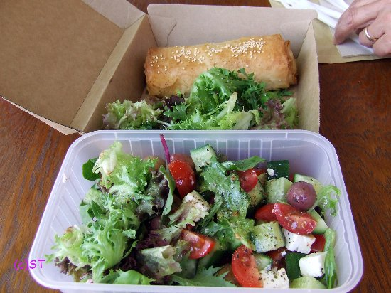 Maldon, Australia: Roll and Salad