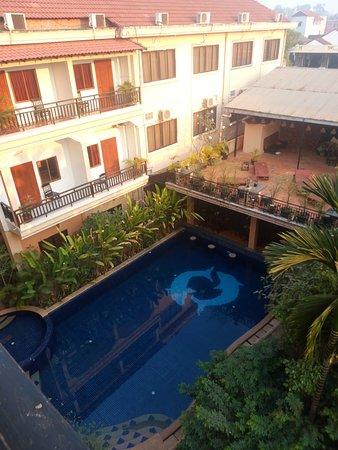 โรงแรมฤทธี ไรน์ อังกอร์: view from 4th floor