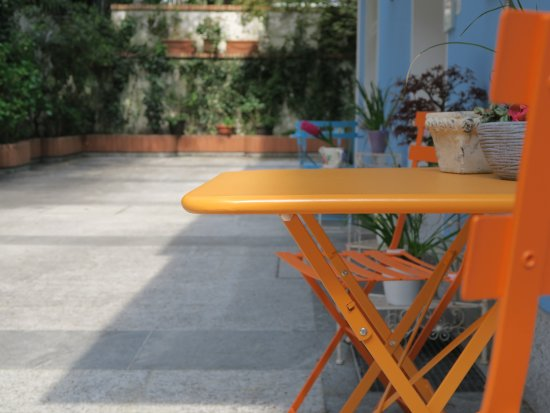 Piccolo Hotel: Corte giardino