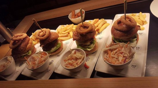 Ebbw Vale, UK: New burger themed menu starts today at Brewers Fayre