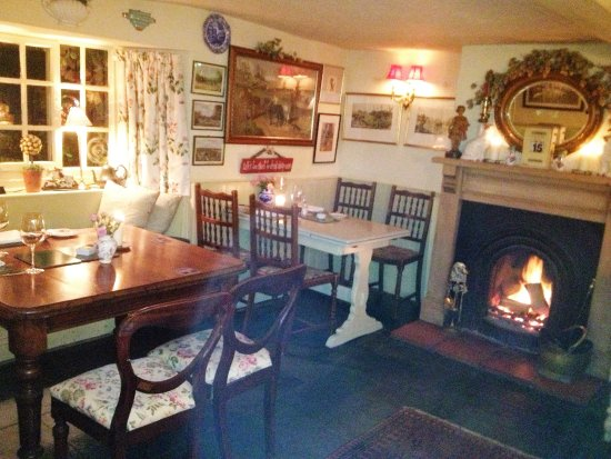 The Fox and Hounds: Bar Area