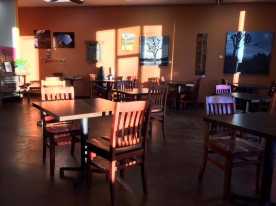 Yucca Valley, CA: Morning light at Cali Greens Cafe