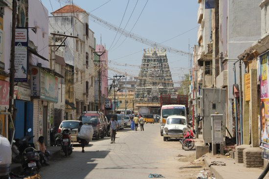 Madurai Residency: the streets are scruffy which makes the hotel even more an oasis