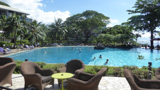 Arue, Fransk Polynesia: Nice pool (but no towels were available)