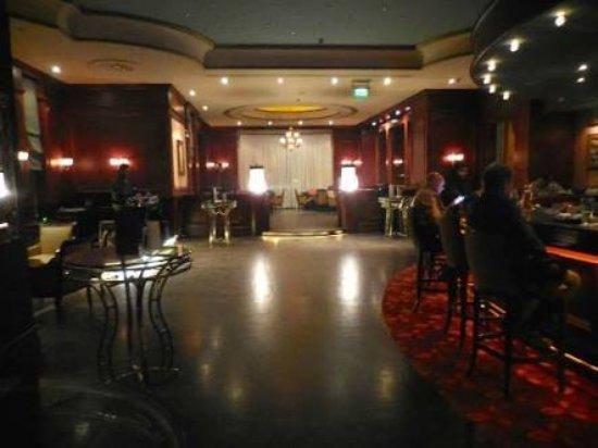 Bellini Cocktail Lounge: images_large.jpg