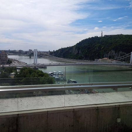 Budapest Marriott Hotel: View from Marriott Business Lounge5