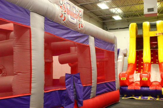 Kennesaw, GA: Fun bounce and slides