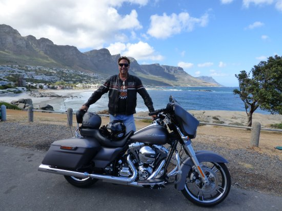 Camps Bay, Sudáfrica: George and the Beast.