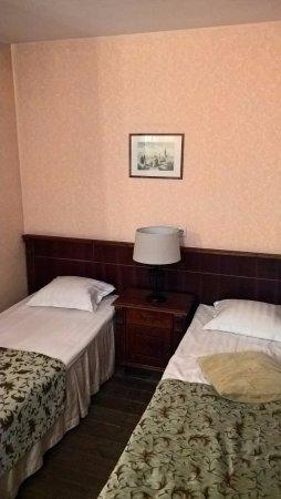 Taanilinna Hotell: Doppelzimmer mit zwei Einzelbetten