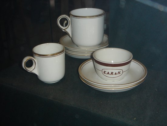 Railway Museum: coffee and tea cups from the dining car years ago