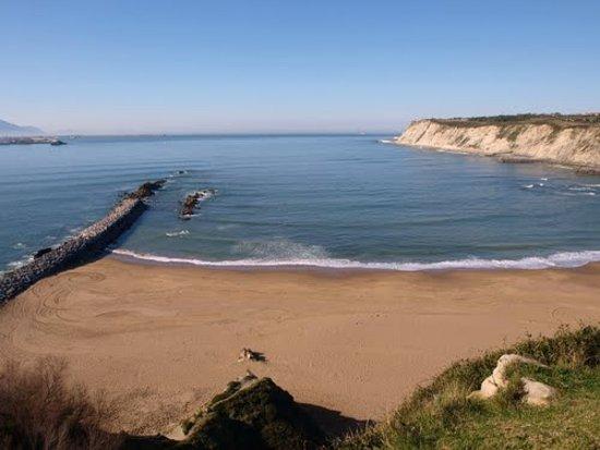 Playa de Azkorri: пляж