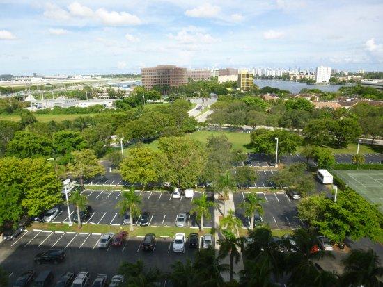 PULLMAN Miami Airport hotel Photo