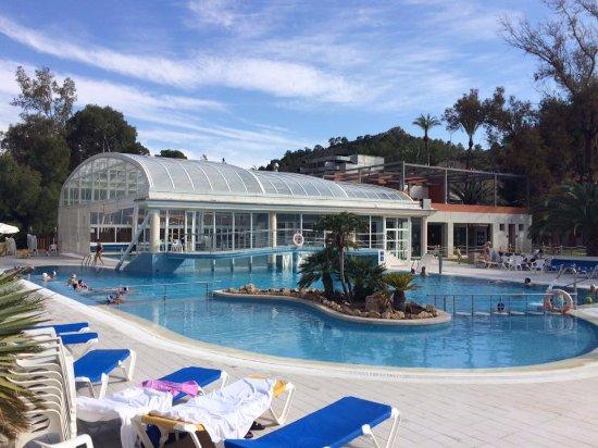Balneario de Archena - Hotel Levante: SOLARIUM Y PISCINA EXTERIOR DE AGUA TERMAL