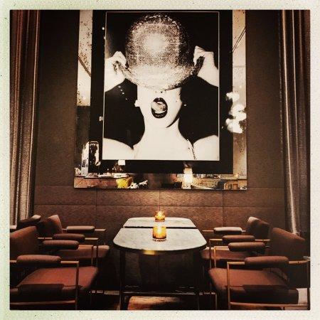 The Hazelton Hotel: Bar