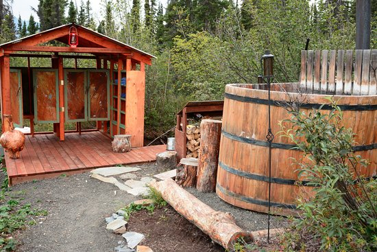 Glacier View, AK: Wood Burning Hot Tub