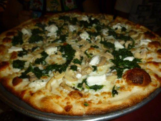 Peppi's Pizzeria: Pizza