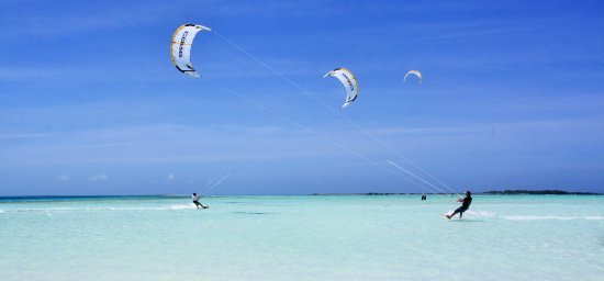 Isla El Gran Roque, Βενεζουέλα: Kiteboarding in shallow waters