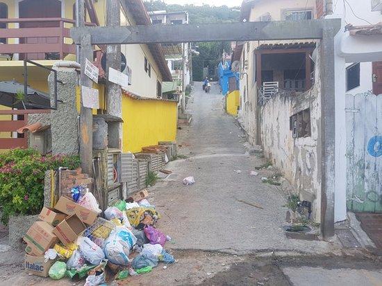 Pousada Mar Dos Anjos: Ladeira de acesso para a Pousada