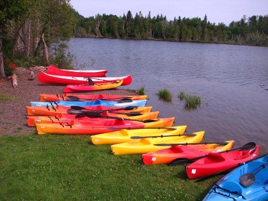St-Donat de Rimouski, Kanada: Location de kayak et planche à rame (paddle board)