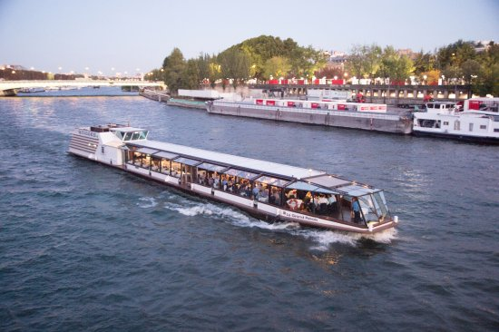 ‪La Marina de Paris Seine River Cruise‬