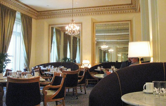 Hotel deLuxe: Gracie's:For breakfast, lunch or dinner