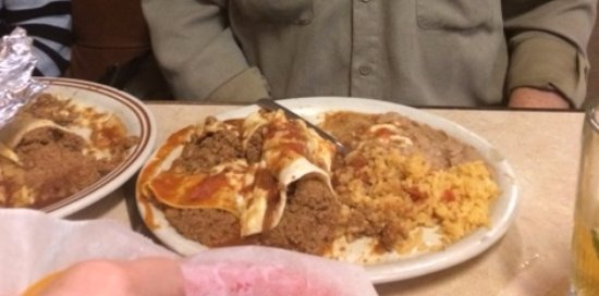 Joelton, TN: Believe it or not on this plate is an enchilada and a burrito