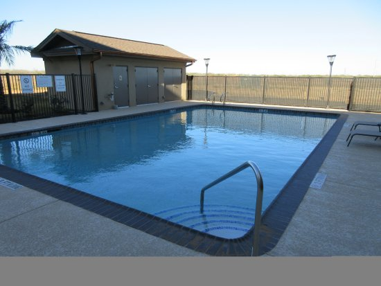 Pool - Picture of MainStay Suites, Cotulla - Tripadvisor
