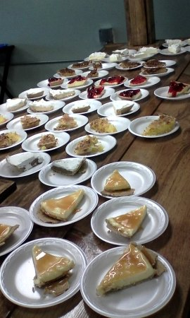 Mendenhall, MS: A sea of delicious desserts