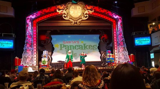 Showboat Branson Belle: Pancakes with Santa PreShow