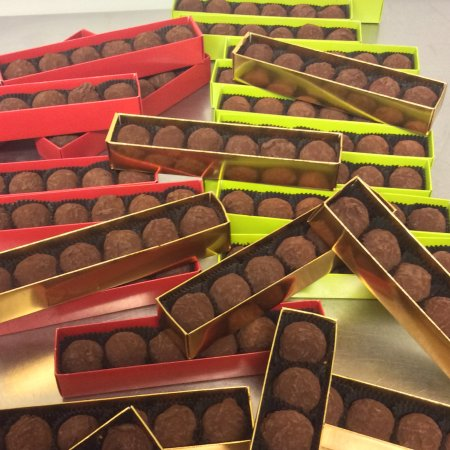 Macaroon Boutique : Dark Chocolate Truffle