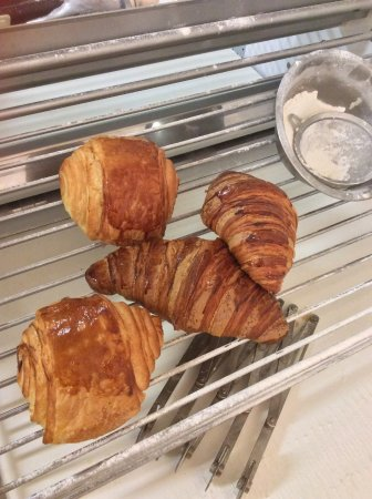 Macaroon Boutique: Croissant & Chocolate Croissants