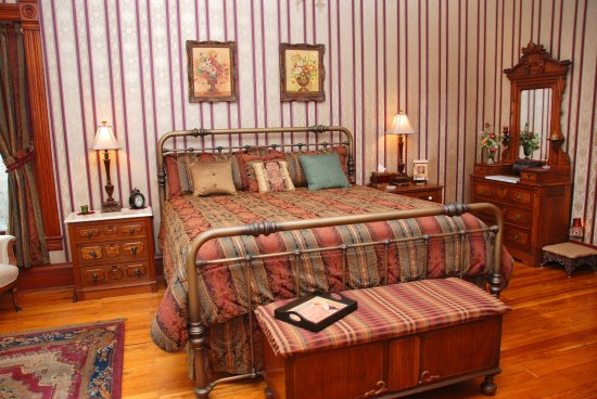 Stone-Yancey House Bed and Breakfast: Withers Room