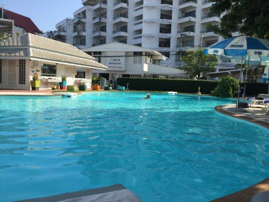 Cera Resort Chaam: The pool area