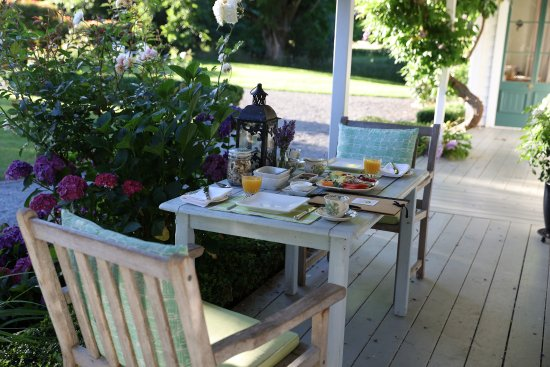 Marlborough Bed & Breakfast: Lovely spot for breakfast!