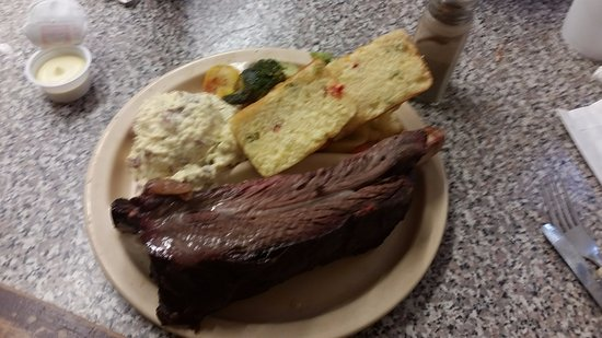 Love's Bar-B-Que & Steakhouse: Only one rib but it will be all you need.