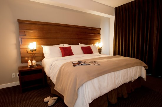 Mountain Spirit Resort: 2 Bedroom Suite: Master Bedroom