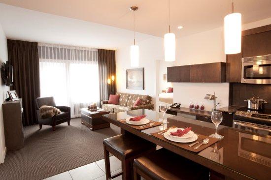 Mountain Spirit Resort: 2 Bedroom Suite: Living Area
