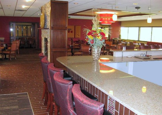 Ames, IA: IowaStater main dining and bar space
