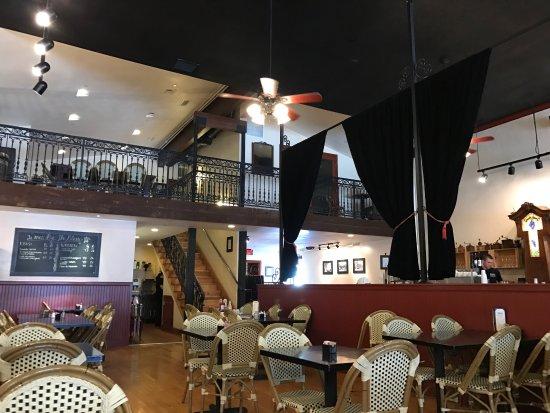 Santa Paula, CA: Interior