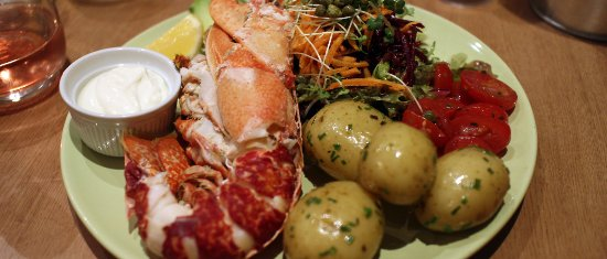 West Runton, UK: Rocky Bottoms - Fresh Caught Lobster by Richard the Owner