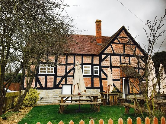 The Broom Tavern : photo0.jpg