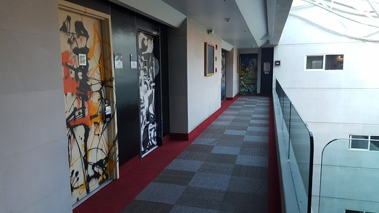 Four Points by Sheraton Mexico City Col. Roma: Room corridors.
