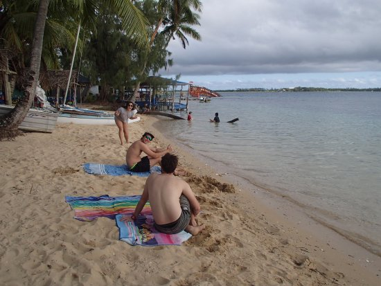 Fatai Kayak Adventures : Hanging on the beach at Pangaimotu