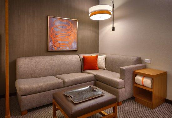Hyatt Place Emeryville San Francisco Bay Area Cozy Corner In Each Room Includes Sofa